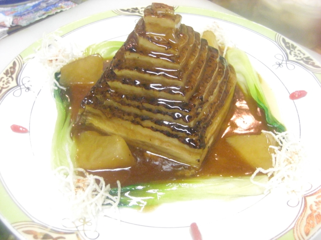 宝塔東坡肉(ピラミッド型トンポーロー)