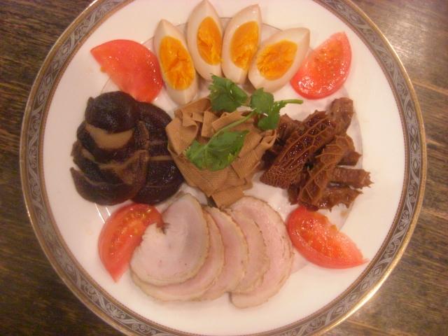 卤水拼盘(潮州式前菜の盛り合わせ)
